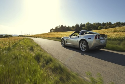 Conduce un Ferrari F430 Spider o un Corvette V8