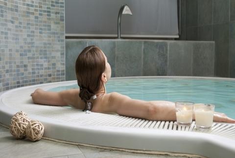 Circuito termal, masaje o exfoliación, cava y más