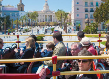 ¡Descubre Cadiz a bordo de un bus turistico!