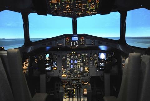 Simulador de Vuelo Boeing 737-800NG