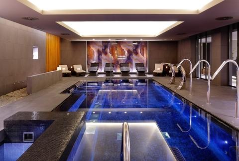 Acceso ilimitado al spa y masaje balinés a elegir