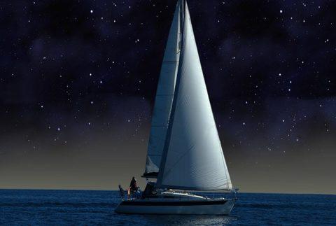 Navega en velero y mira las estrellas