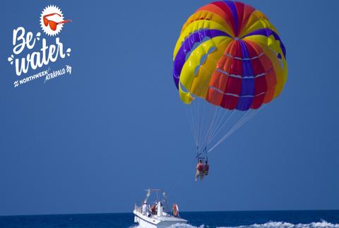 #BeWater: vuelo parasailing y excursión en kayak