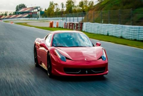 Conduce un Ferrari F458 Italia de 570cv