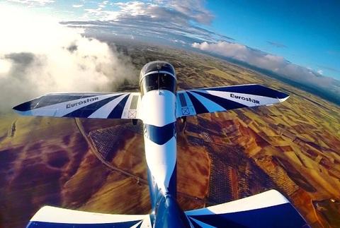 Tu primer vuelo deportivo, ¡pilotarás el avión!