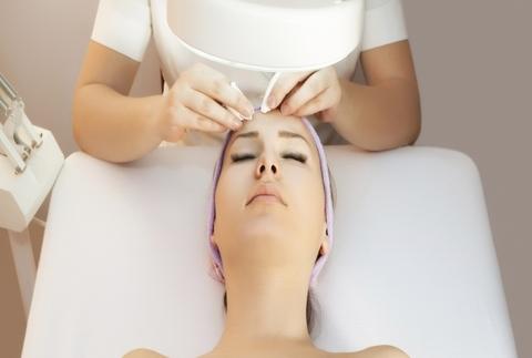 Higiene facial exprés o completa