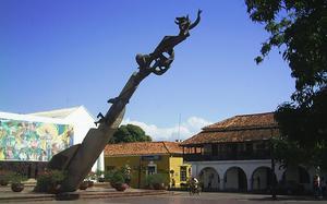 Valledupar, conocida también como la Ciudad de los Santos Reyes del Valle de Upar ó Valle del Cacique Upar, es una ciudad Colombiana, capital del departamento del Cesar. es uno de los principales epicentros musicales, culturales y folclóricos de Colombia