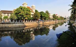 Canales de Jakarta
