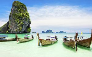 Barcas en la Playa de Krabi