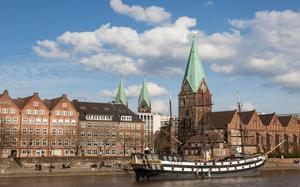 Río Weser a su paso por Bremen
