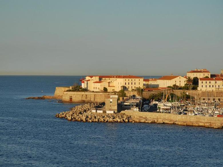 Los 10 mejores apartamentos en ajaccio for Appart hotel ajaccio