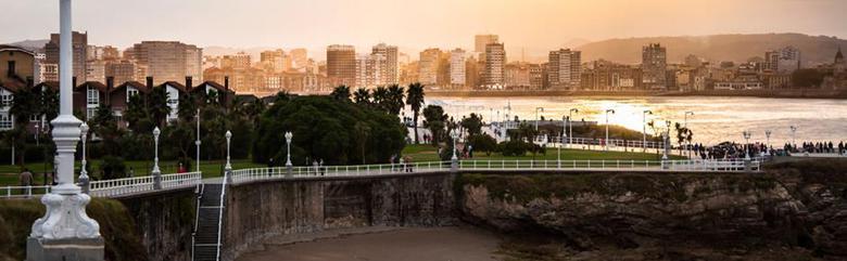Los 3 mejores hoteles con piscina en gij n for Hoteles con piscina asturias