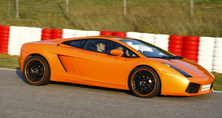 Conduce un Ferrari o un Lamborghini en Montmeló