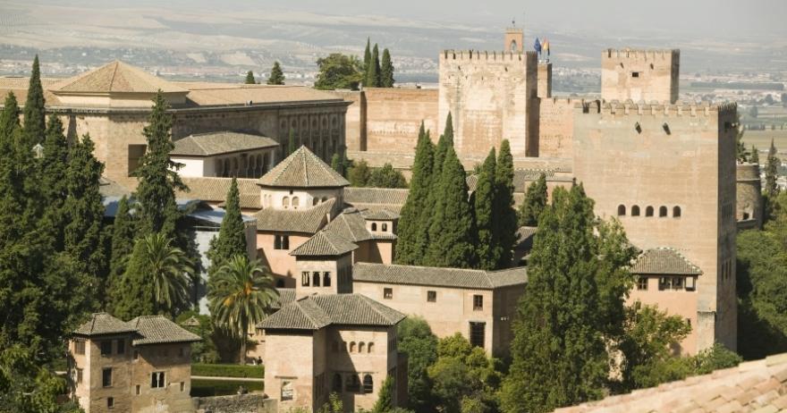 Visita guiada: Alhambra y Generalife con Palacios