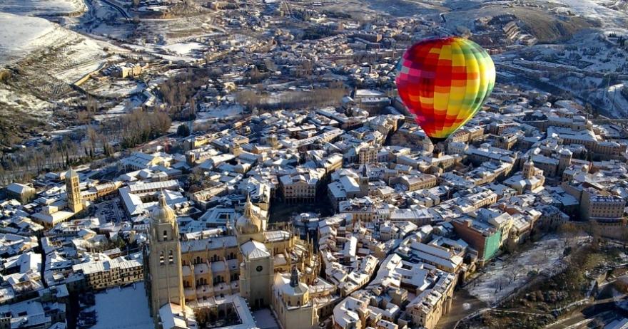 Vuelo en globo en Segovia + cochinillo opcional