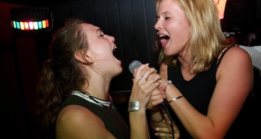 Anti-Karaoke Marula Caf�