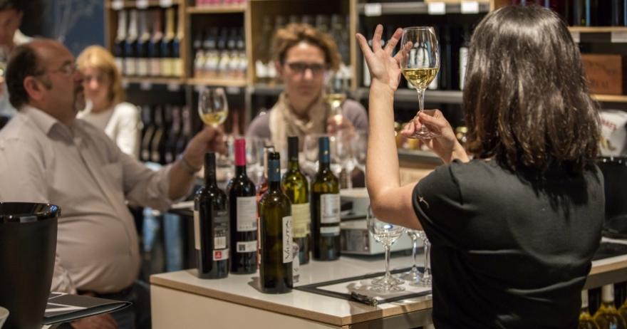 Cata de vinos en tannic by freixenet barcelona for Cata de vinos barcelona