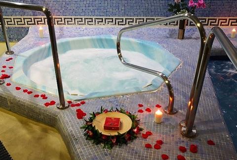 Circuito spa para dos, con opción a masaje 15 minutos y bombones