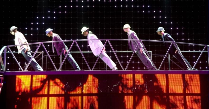 Un show espectacular con las grandes coreograf�as de Jackson