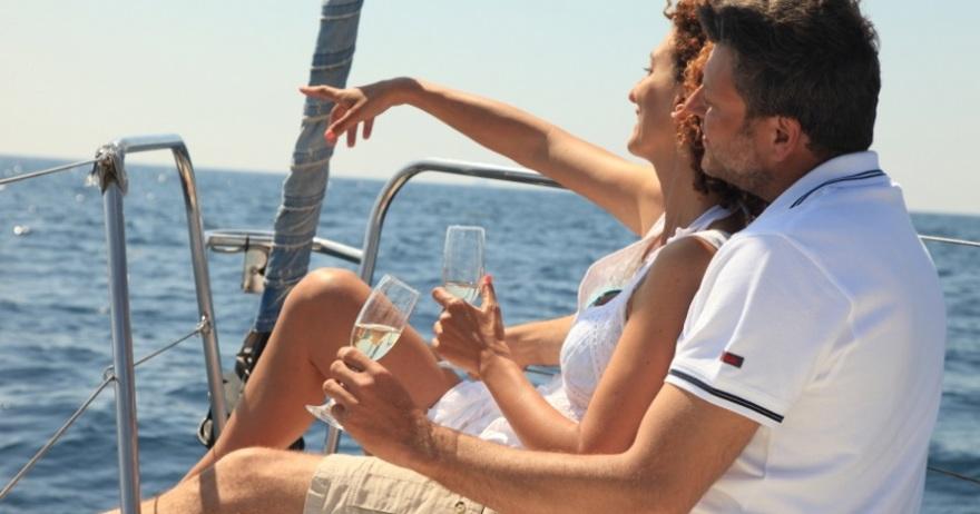 Navegación romántica en velero privado