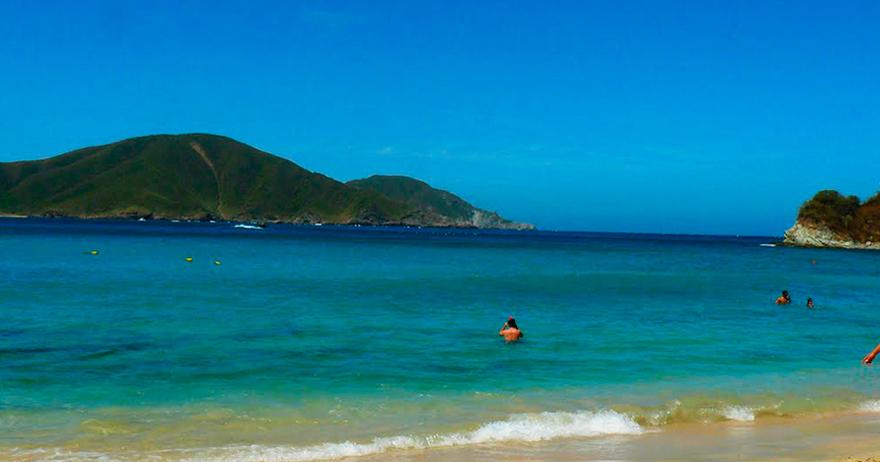 how to get to playa cristal santa marta