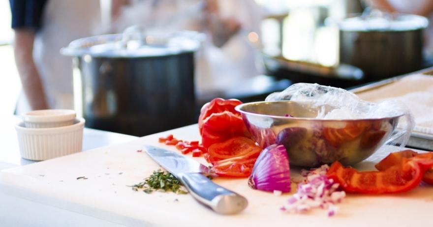 Elige entre 1 2 o 3 cursos de cocina con chema de isidro for Chema de isidro canal cocina