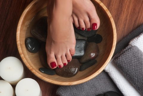 Manicura y pedicura para que lleves unas manos y pies perfectos