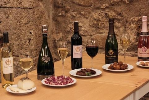 Visita gastronómica a Segura Viudas con 5 vinos y 5 exquisitas tapas