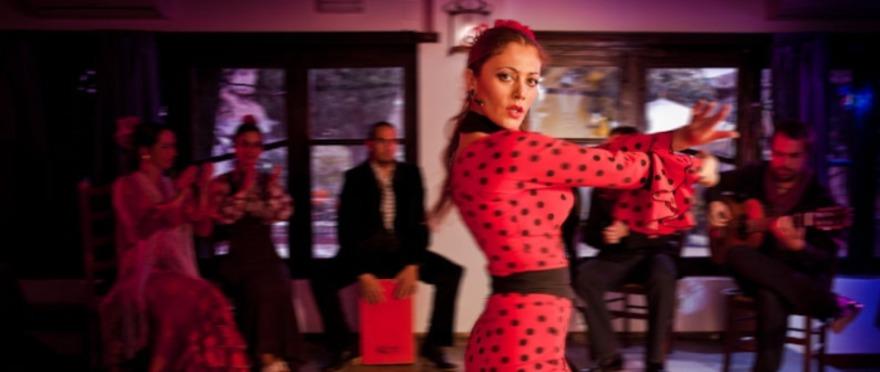 Flamenco en vivo en Jardines de Zoraya