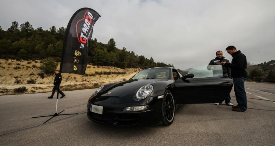 Circuito Brunete : Vueltas al circuito en coche deportivo brunete