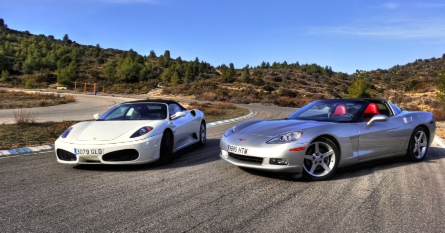 �Ferrari o Lamborghini? �T� eliges!