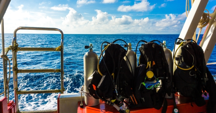Bautizo de buceo en barco