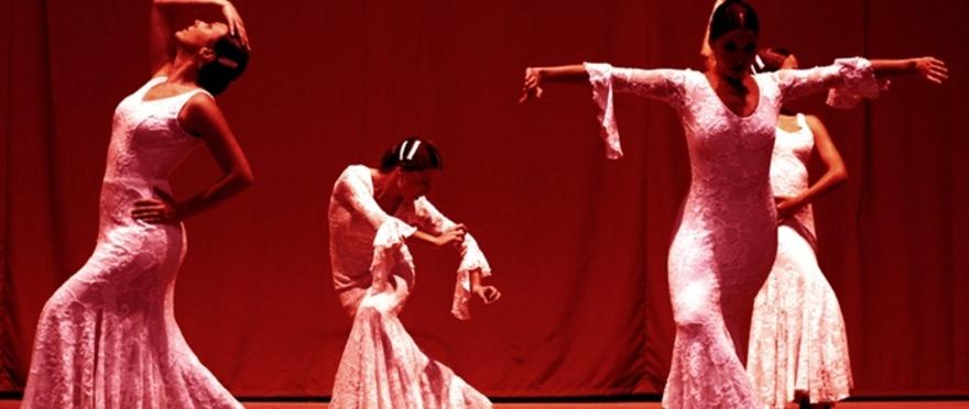 Candilejas, baile, guitarra y palmas. Espectáculo de baile flamenco