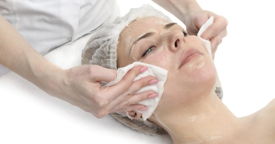 Higiene Facial + Manicura