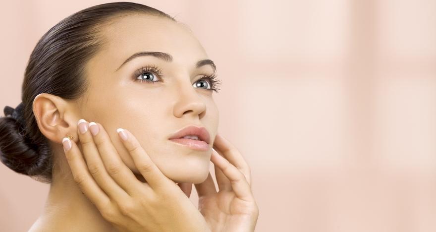 Peeling facial con masaje craneo-facial