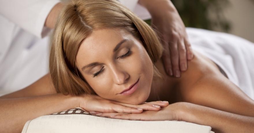 Masaje desestresante de hombros, cuello y cabeza