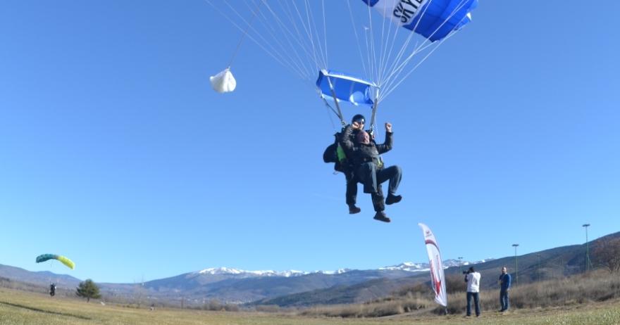 Salto en paracaídas tándem