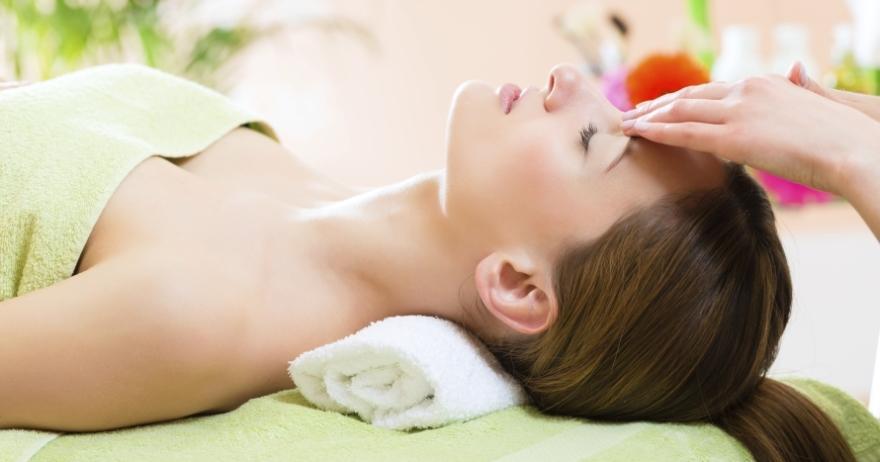 Masaje craneal Shiatsu y masaje foot