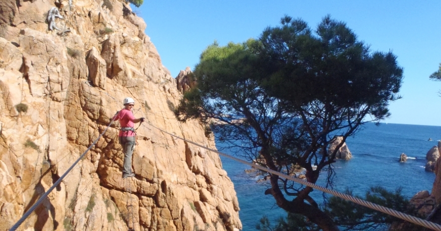 Iniciación vía ferrata: acantilados de Costa Brava