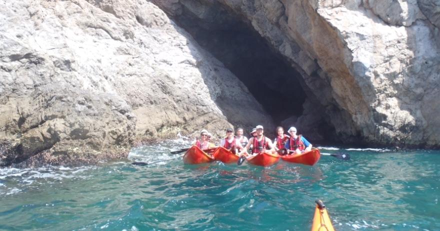 Excursi�n kayak Calas de Sitges