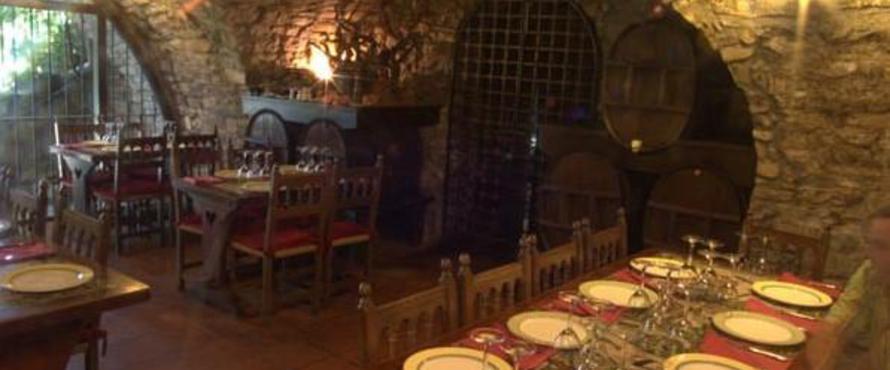 Restaurante bodegas del sobrarbe ainsa - Bodegas rusticas fotos ...