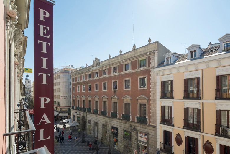 Hotel petit palace arenal madrid for Hotel arenal madrid