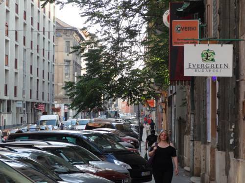 Evergreen Budapest Bed & Breakfast And Guest House