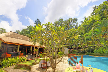 Hotel Puri Bunga Resort & Spa