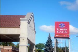 Hotel Comfort Suites And Conference Centre