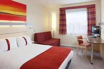Hotel Express By Holiday Inn Kent International Airport