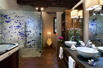 Hotel Mil Flores Luxury Design