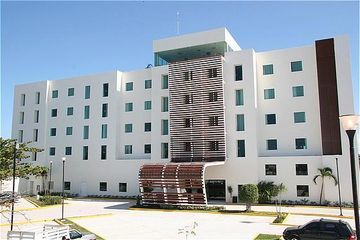 Hotel Holiday Inn Express Cd. Del Carmen
