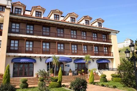 Apartamentos club condal comillas cantabria - Apartamentos club condal comillas ...