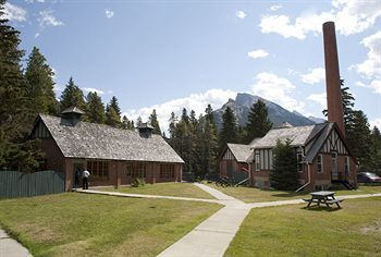 Hostal Banff Y Mountain Lodge